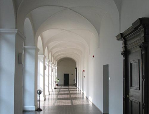 Flurbereiche am Gebäude einer ehemaligen Klosteranlage in FFB